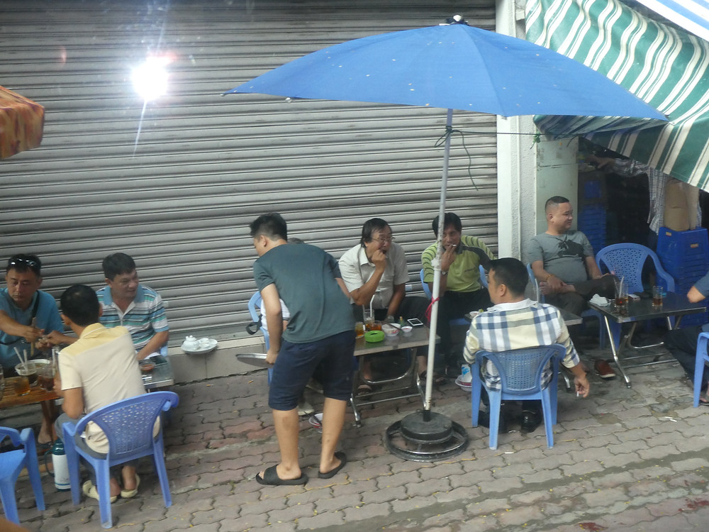 Roadside cafe in Ho Chi Minh City