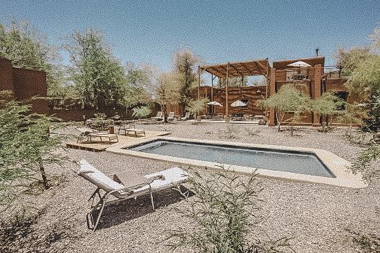 piscina-y-jardines