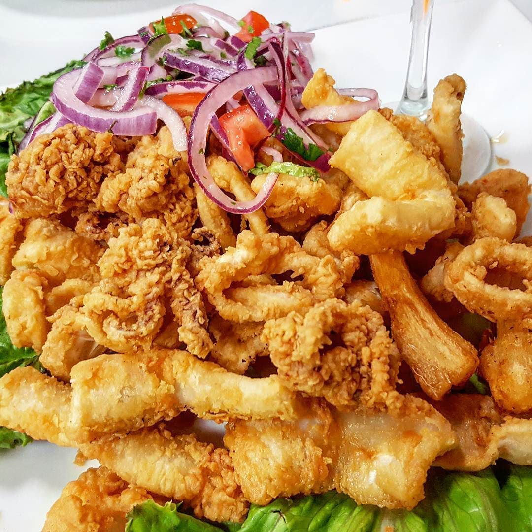 chicharrones mancora food