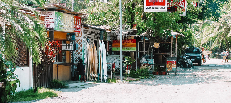 ryankozie-puerto-viejo-shopping.jpg