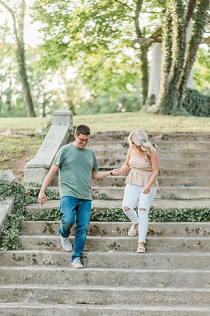 romantic-outdoor-engagement-session