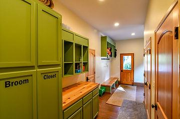 Entry:utility room.jpg