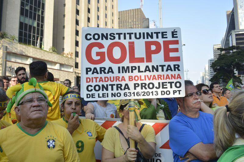 Manifestação_12_abril_foto_1