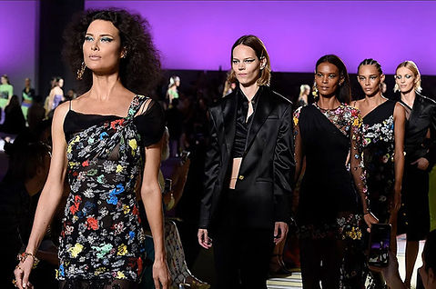 versace-spring-summer-2019-collection-lo