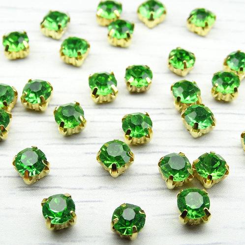 ЗЦ015НН66 Хрустальные стразы Зеленые в металлических цапах (золото) 6х6мм.