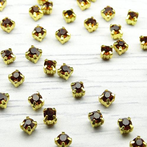ЗЦ014НН44 Хрустальные стразы Карамель в металлических цапах (золото) 4х4мм.