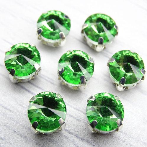 РЦ016НН8 Хрустальные стразы в цапах круглые, цвет: светло-зеленый, 8 мм, 1 шт.