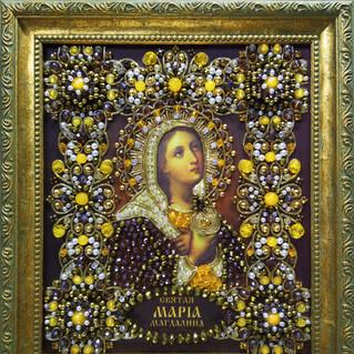 Мария Обложка с рамой (Светлая).jpg