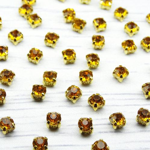 ЗЦ013НН44 Хрустальные стразы Медовые в металлических цапах (золото) 4х4мм.