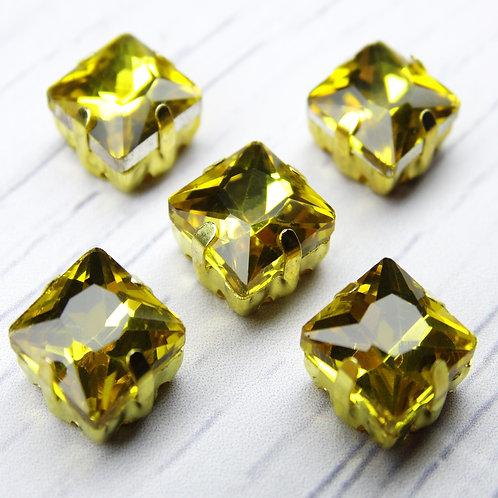 КЦ002НН8 Хрустальные стразы в цапах, цвет: желтый, размер: 8х8 мм, 1 шт.