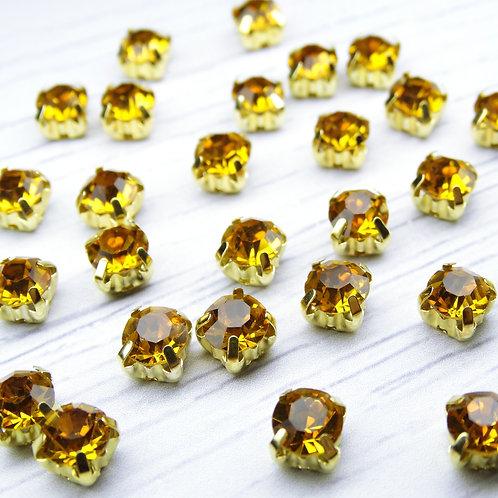 ЗЦ013НН66 Хрустальные стразы Медовые в металлических цапах (золото) 6х6мм.