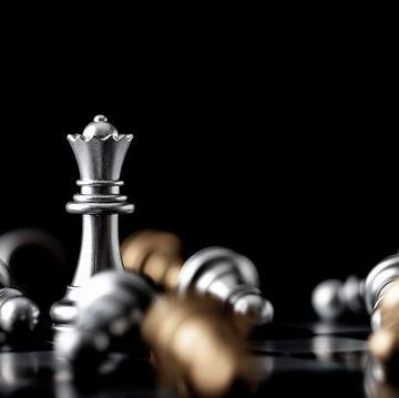queen-standing-midst-falling_44394-445.j