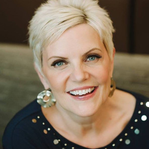 Barbara Churchill, Confidence Coach + Speaker