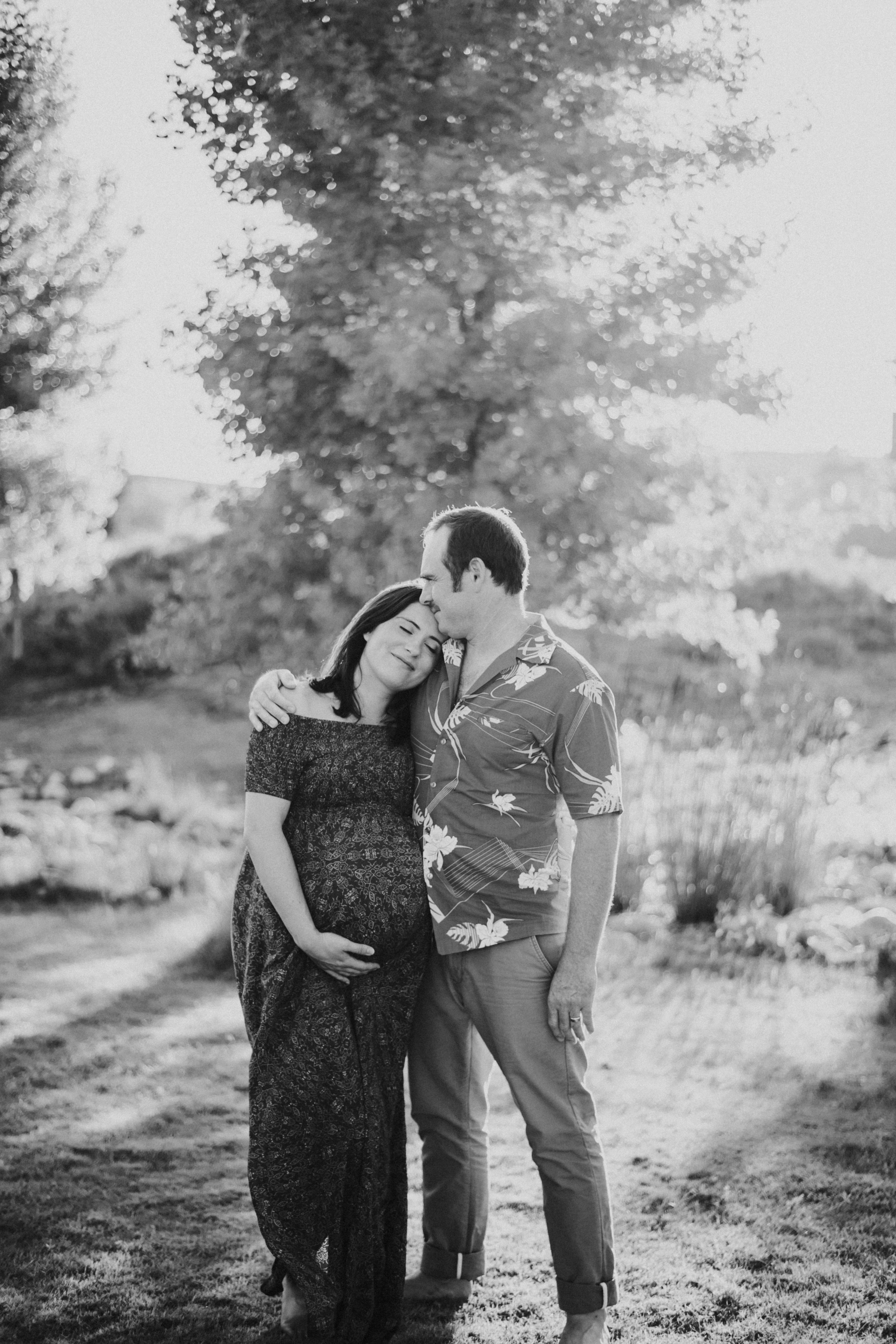 couple in park pregnancy photos maternity photography los angeles california