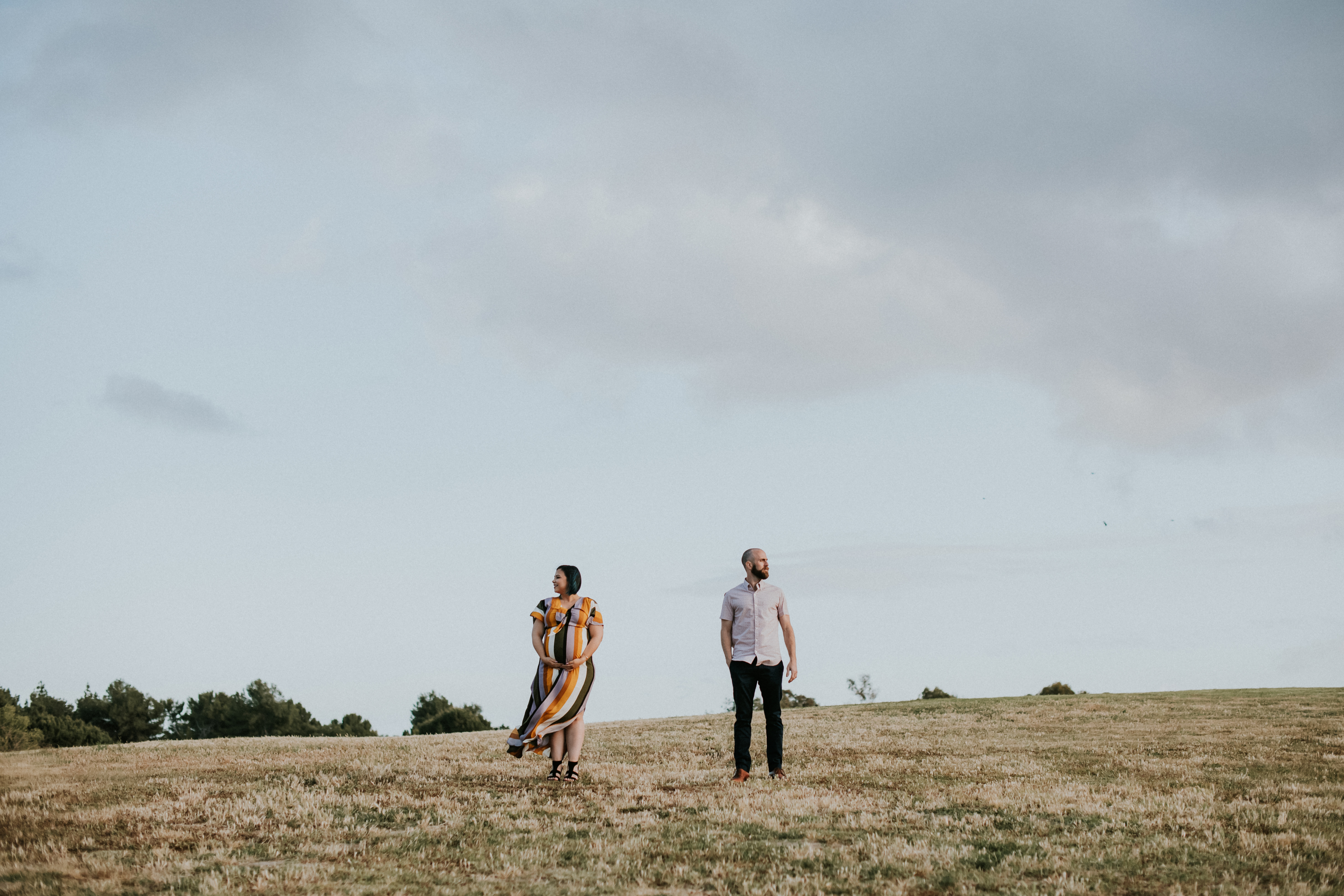 couple in field pregnancy photos maternity photography los angeles california