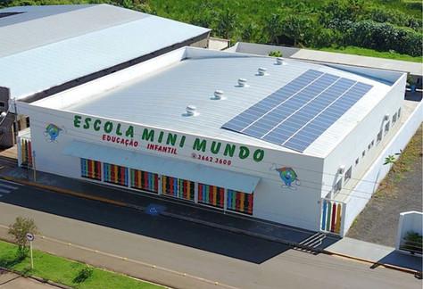 A escola Mini Mundo e o colégio Max Beny Macena geram sua própria energia com sistema fotovoltaico