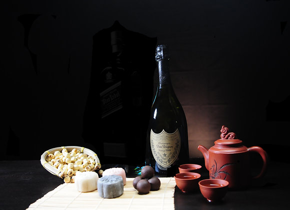 Lady Chang'er Snow Skin Chuao Criollo infused with Dom Perignon Champagne