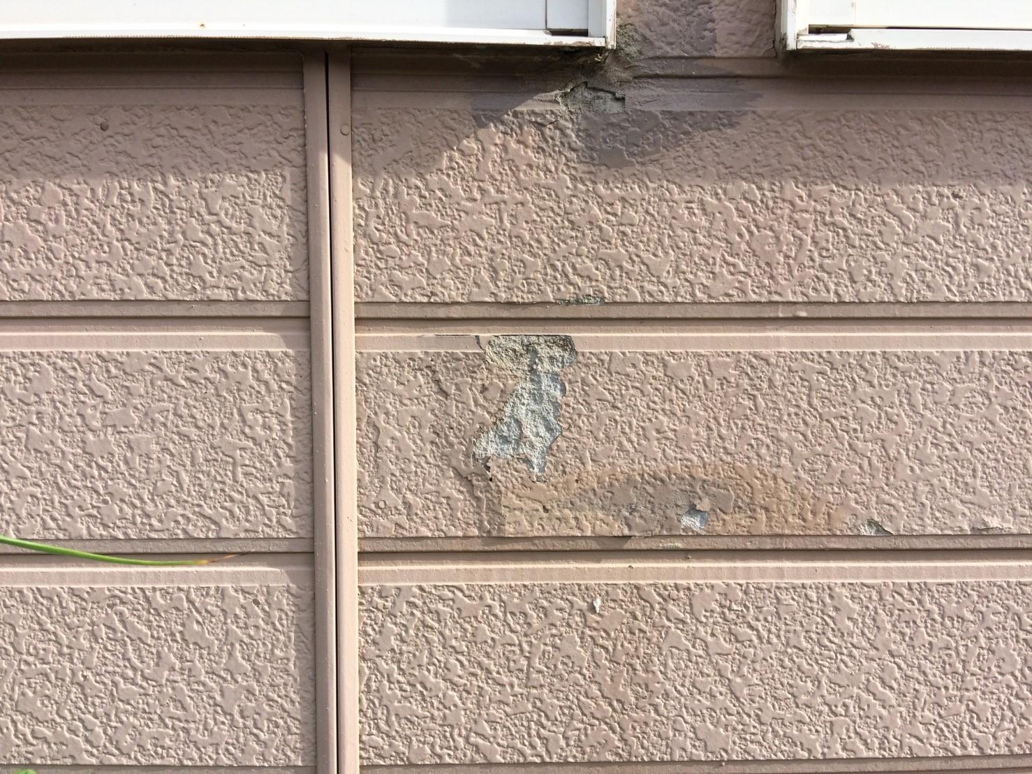 凍害した外壁