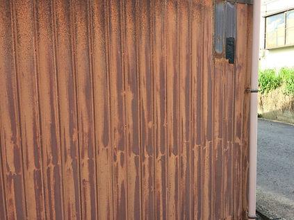 さびた外壁