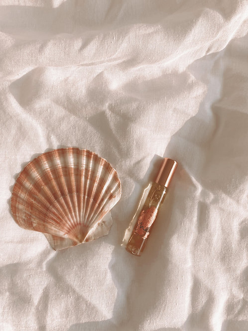 she - natural botanical perfume