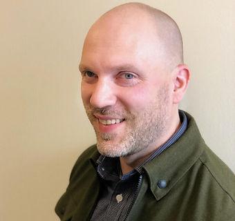Dave Wellings Headshot 2019.jpg