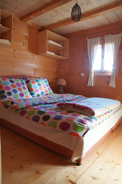 Spavaća soba, brvnara B1/B2, Rudno