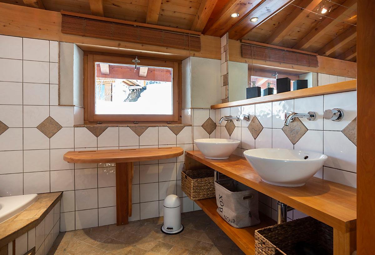 Salle de bain Balnéo 1er étage