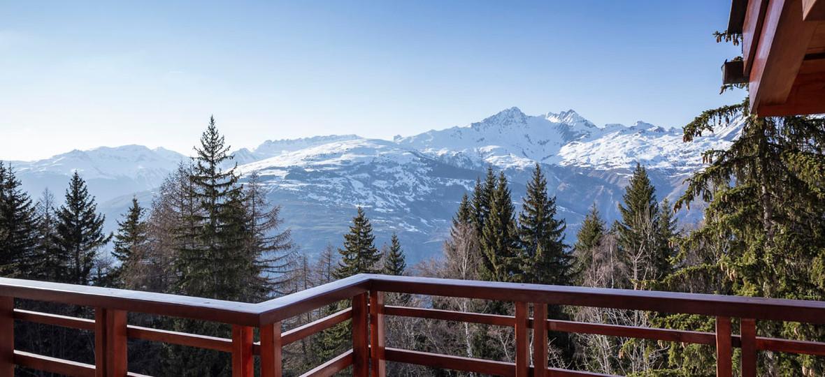 Vue panoramique de la terrasse/coin fumeur