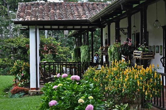hotel-hacienda-el-roble.jpg