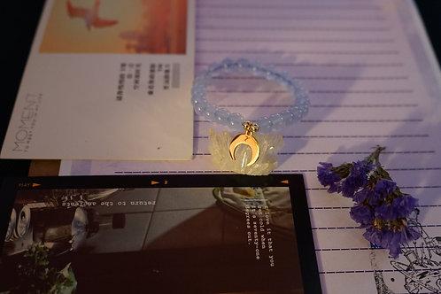 Heart Cresent (Blue Chalcedony)
