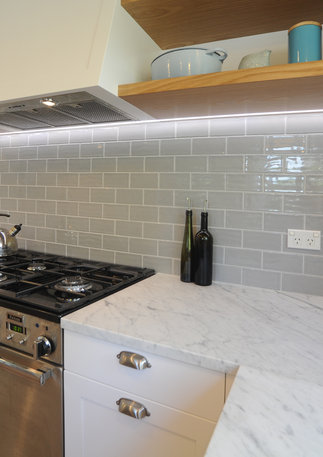 subway tiles + marble