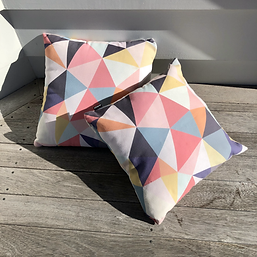 Outdoor Cushion 45 Triangles