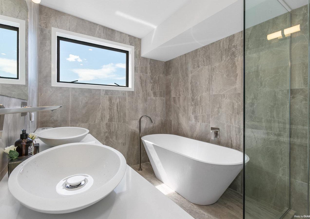 Timeless family bathroom by LK&CO