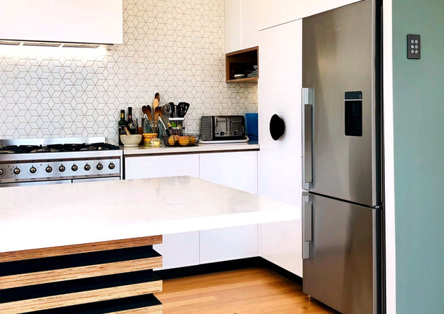 LK&CO Entertainers kitchen in Bungalow r