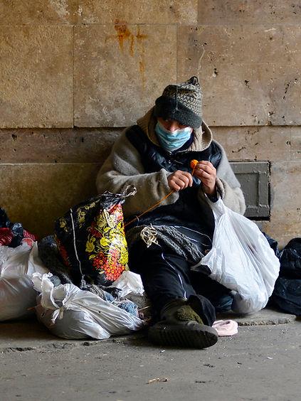 homeless-coronavirus-mask-wearing-street