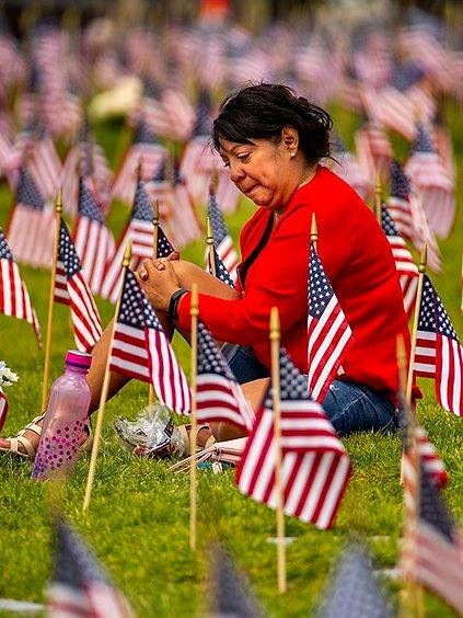 13745939_web1_boulder_flags.A-6.jpg