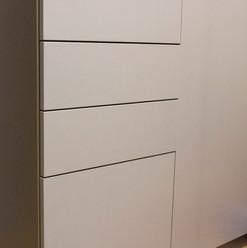 Распашной шкаф для детской