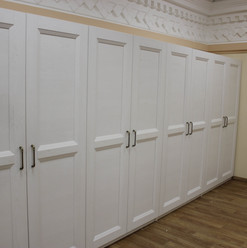 Распашной шкаф в Университете
