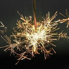 sparkler-918836_1920.jpg