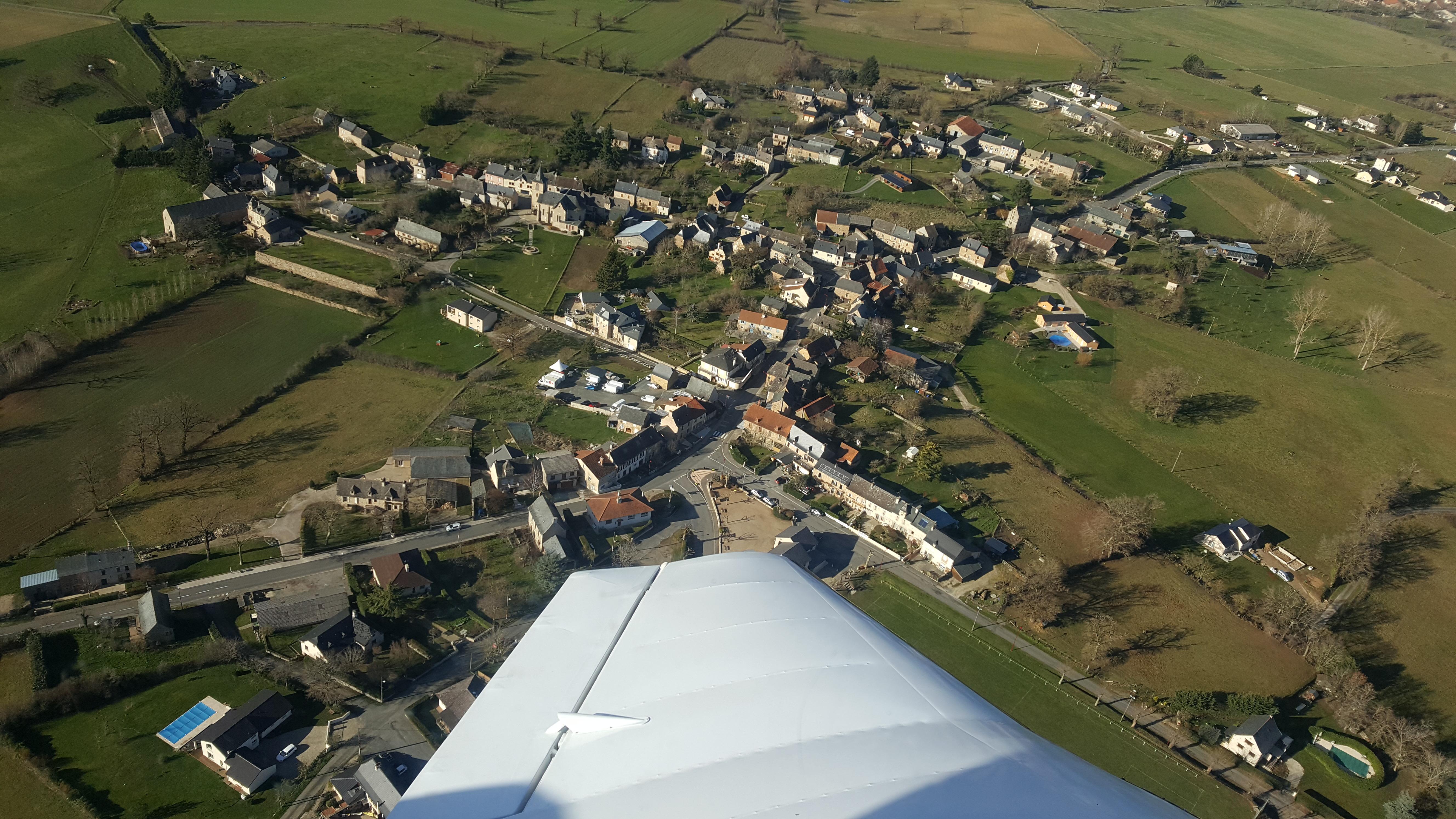 vu aérienne de 12350 Privezac