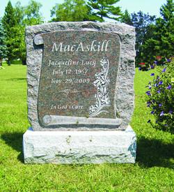MacAskill - Scroll with Rock Margin Edge
