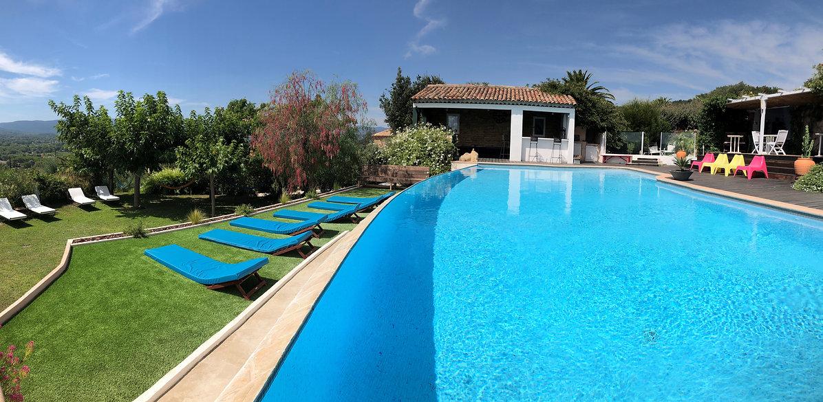 Chambre d'hôte Grimaud : piscine à débordement