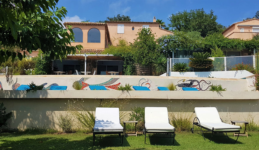 BnB in Grimaud with large pool