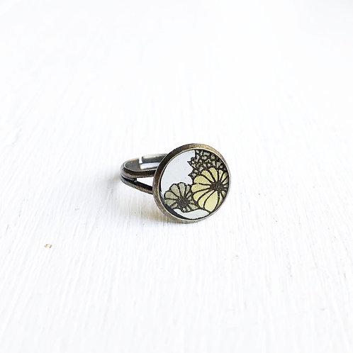 Vintage Tin Ring, Neutral Garden