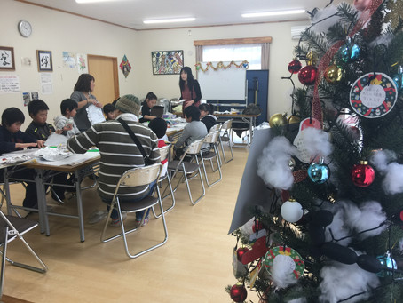 クリスマス絵画教室開催