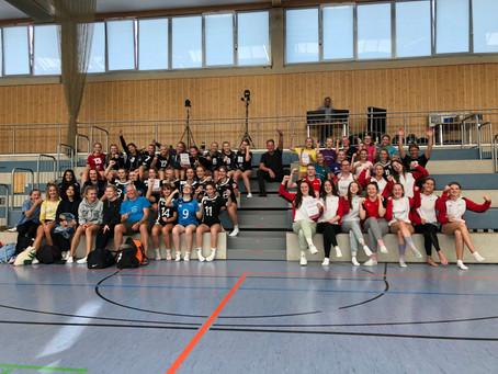Volleyball-Mädels erhalten einen Dämpfer vor Saisonbeginn
