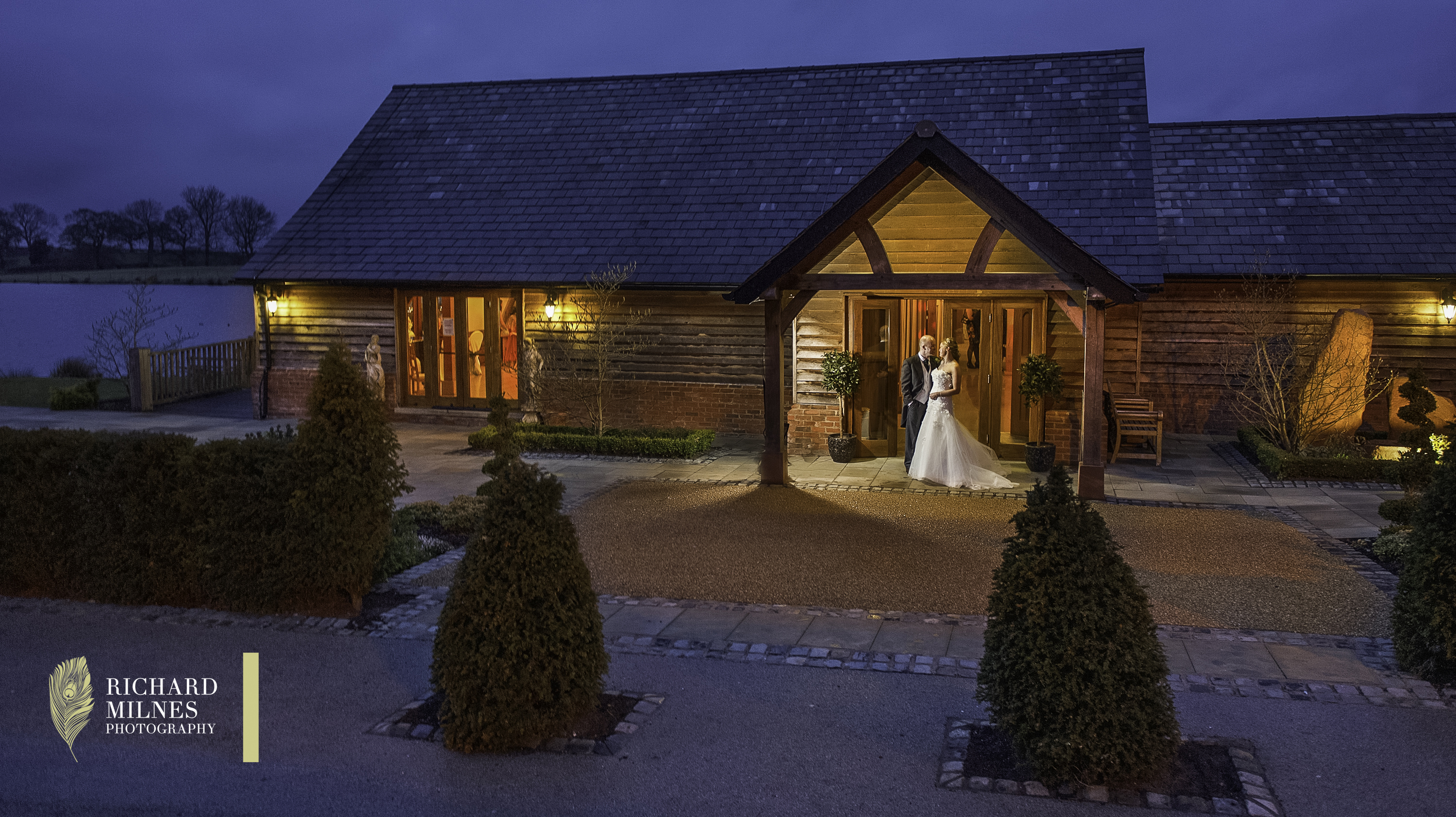 Sandhole Oak Barn Wedding Photoo