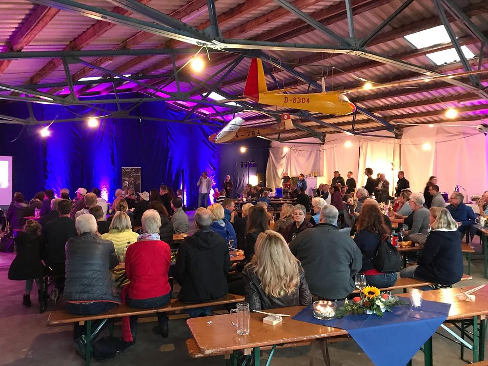 Nachfest in der Halle des FSC Möve Obernau