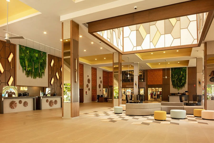 lobby-riu-motego-bay_tcm55-245684.jpg