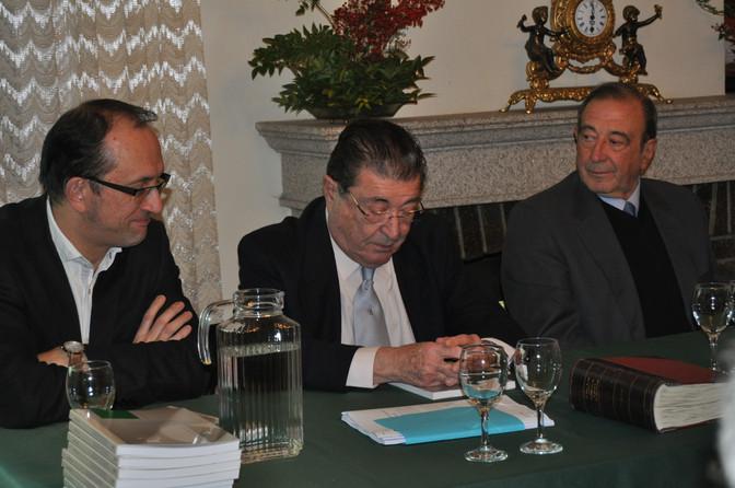 A familia Fernández Flórez doa a obra xornalística do escritor